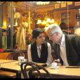 Rachida Dati et Michel Barnier font le tour de certains bureaux de vote de Paris le 7 juin 2009. Une petite pose dans sa brasserie préférée, chez Marie-Claude, rue Cler.