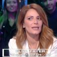 """Elsa Fayer surprise et gênée face à la diffusion de ses photos sexy dans """"Les Terriens du samedi"""" (C8) le 6 avril 2019."""