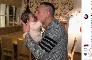 Franck Ribéry pose avec son bébé pour ses 36 ans, déclaration d'amour de Wahiba