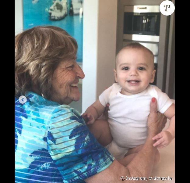 Eva Longoria a partagé des photos de sa mère avec son fils Santiago, sur Instagram, le 11 avril 2019