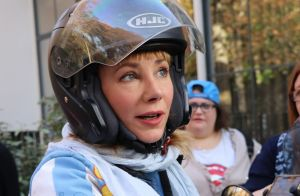 Julie Depardieu se fait voler son scooter : La star étourdie mais... chanceuse !