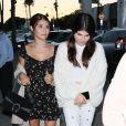 Lori Loughlin et son mari Mossimo Giannulli sont allés diner avec leurs filles Isabella et Olivia au restaurant Craig à West Hollywood, le 9 août 2017.