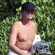 Exclusif - Tyler Blackburn est allé se baigner sur une plage à Hawaii, le 29 novembre 2015.