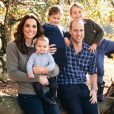 Le prince William, Kate Middleton, duchesse de Cambridge, le prince Louis, la princesse Charlotte et le prince George photographiés à Anmer Hall (Norfolk) par Matt Porteous au cours de l'automne 2018 pour leur carte de voeux de fin d'année. © Matt Porteous/PA/Abacapress.com