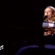 """Clémentine dans """"The Voice 8"""" sur TF1, le 27 avril 2019."""