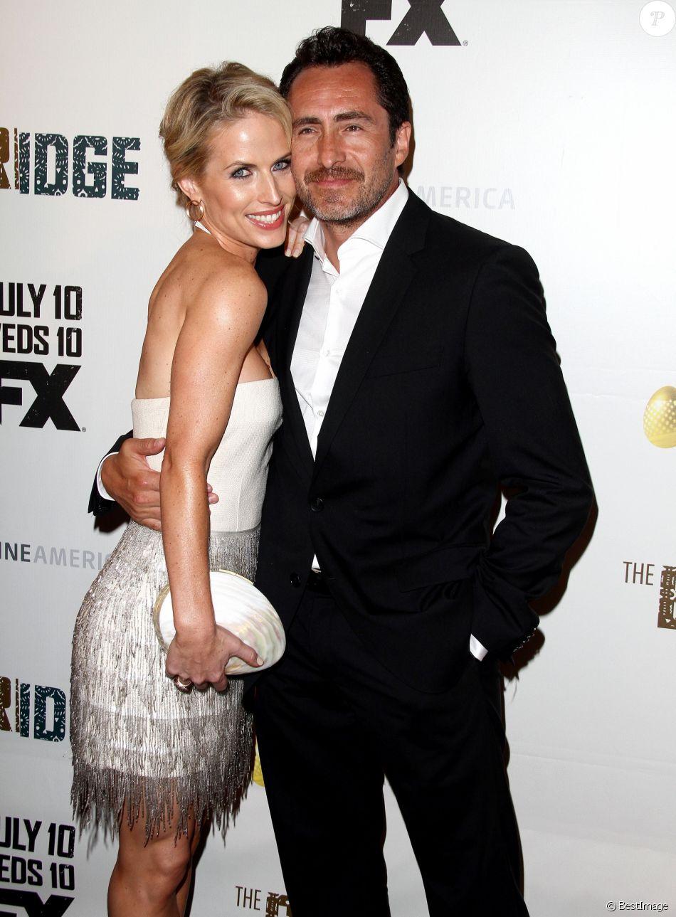 Stefanie Sherk et Demian Bichir à Los Angeles le 8 juillet 2013 lors de la première de la série The Bridge.