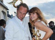 Emilie Dequenne et Benoît Poelvoorde élus... couple romantique de l' année à Cabourg ! Trop fiers de leurs trophées, regardez ! (réactualisé)
