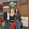 Antoine Dulery et son épouse fêtent les 20 ans du Parc Astérix