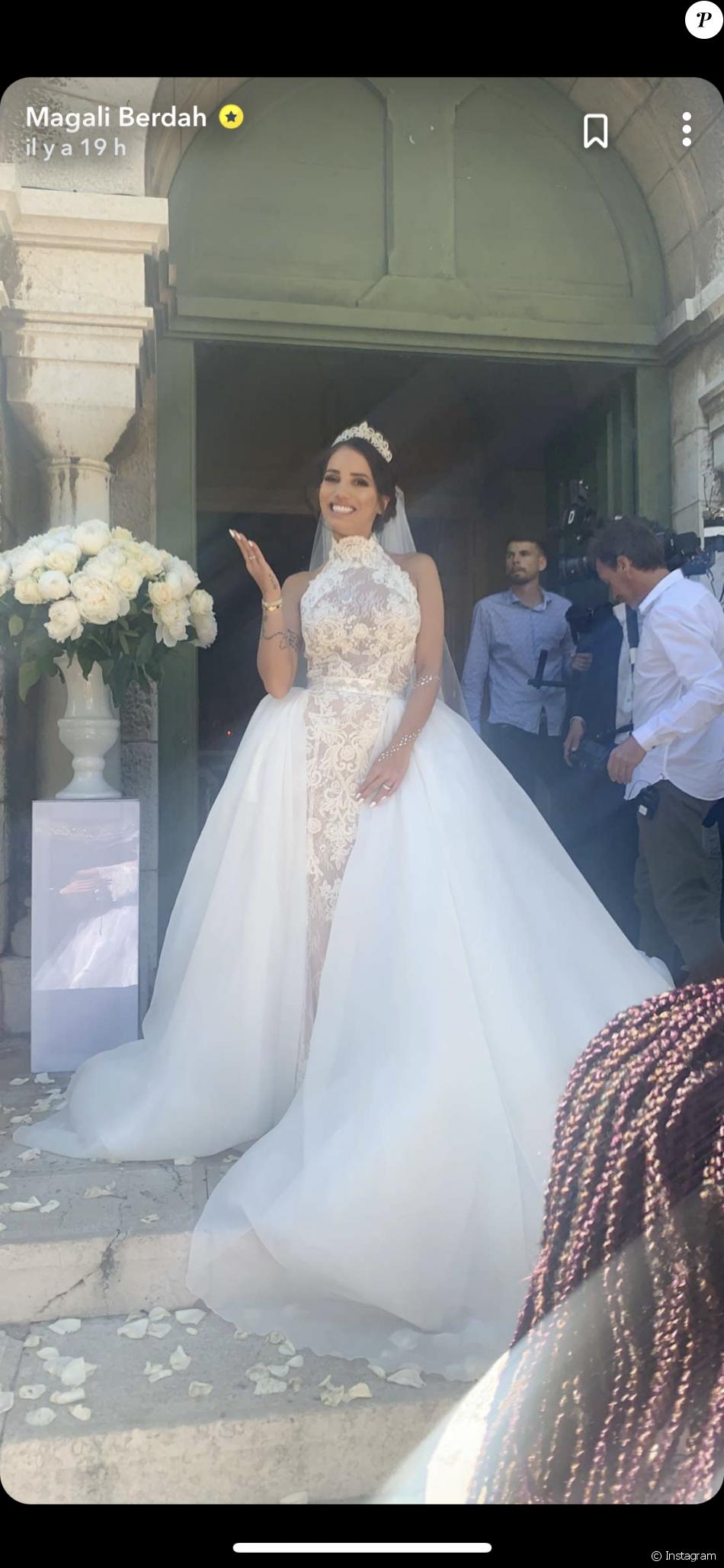 Manon Marsault se dévoile sublime en robe de mariée lors de son union avec  Julien Tanti