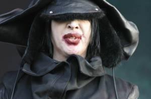 Marilyn Manson : il a loupé ses débuts aux Alcooliques Anonymes... mais pas son entrée en scène ! Regardez !