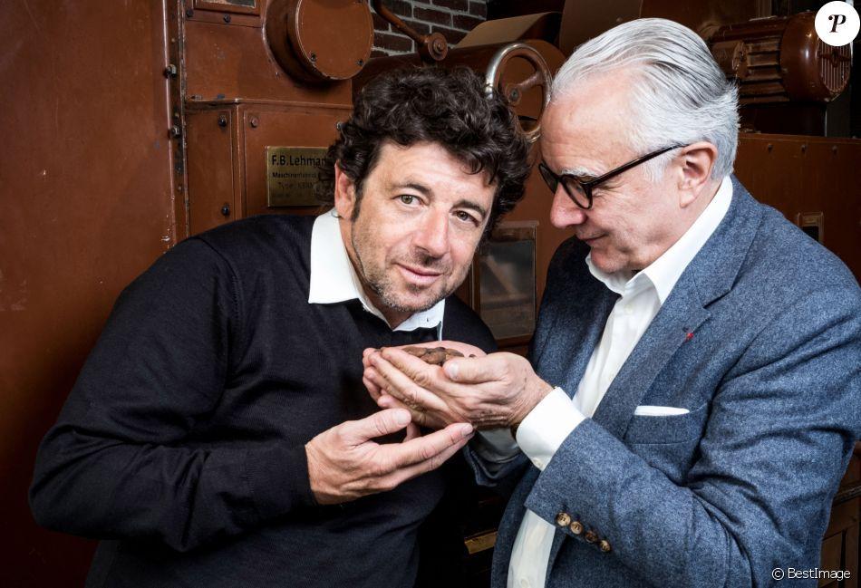 Exclusif - Rencontre gastronomique entre Alain Ducasse et Patrick Bruel pour la création d'un coffret de chocolats à l'huile d'olive. À l'occasion de la fête des Mères, la Manufacture de chocolat Alain Ducasse sortira une recette de ganache à l'huile d'olive provenant de la propriété de Patrick Bruel, le Domaine LEOS à l'Isle-sur-la-Sorgue, maintes fois reconnu et récompensé (trois médailles d'or au Concours Général Agricole). Le coffret est disponible en édition limitée le 3 mai prochain au prix de 36€ pour 21 pièces. Paris, le 24 avril 2019 © Cyril Moreau / Bestimage
