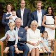 Photo de famille pour les 70 ans, le 14 novembre 2018, du prince Charles, prince de Galles, entouré de sa famille dans le jardin de Clarence House à Londres le 5 septembre 2018 devant l'objectif du photographe Chris Jackson.