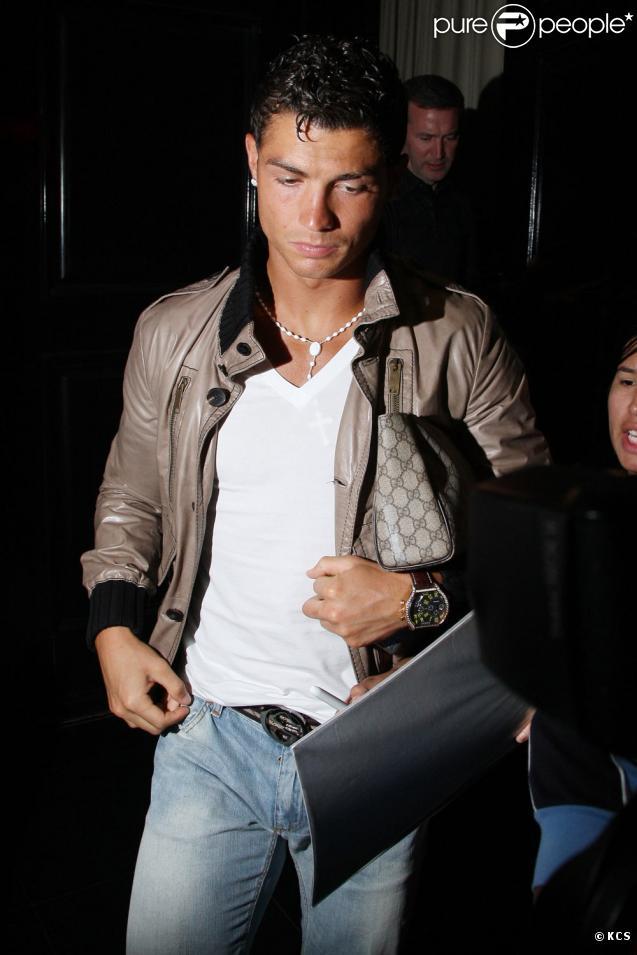 635e0310d8c Cristiano Ronaldo   si seul à Los Angeles... - Purepeople