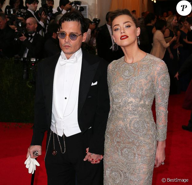 "Johnny Depp et son ex-fiancée Amber Heard - Soirée du Met Ball / Costume Institute Gala 2014: ""Charles James: Beyond Fashion"" à New York, le 5 mai 2014."