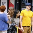Zoë Kravitz et son compagnon Karl Glusman se baladent dans le quartier de Soho à New York City, New York, Etats-Unis, le 8 septembre 2018.