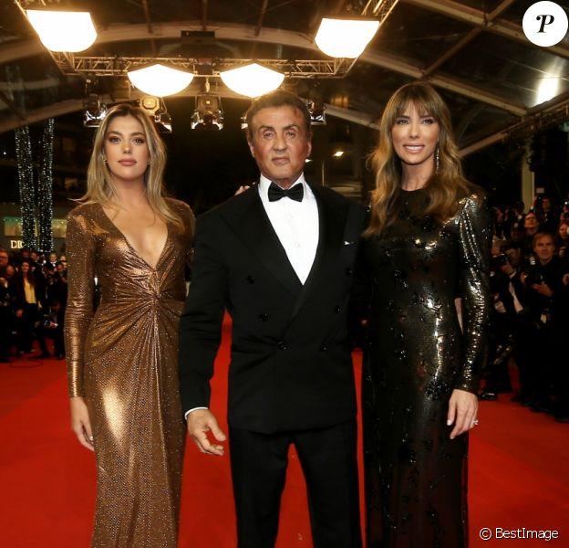"""Sylvester Stallone, sa femme Jennifer Flavin et sa fille Sistine - Montée des marches du film """"Rambo : First Blood"""" lors du 72ème Festival International du Film de Cannes. Le 24 mai 2019 © Jacovides-Moreau / Bestimage"""