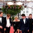 """Paul Hamy, Justine Triet (enceinte), Virginie Efira et son compagnon Niels Schneider, Gaspard Ulliel - Montée des marches du film """"Sibyl"""" lors du 72ème Festival International du Film de Cannes. Le 24 mai 2019 © Jacovides-Moreau / Bestimage"""