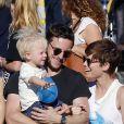 Jamie Bell emmène son fils et sa petite amie Kate Mara à la foire à Malibu, le 7 septembre 2015.