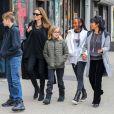 Exclusif - Angelina Jolie fait du shopping avec ses filles Zahara, Shiloh et Vivienne dans le quartier de East Village à New York, le 23 février 2019