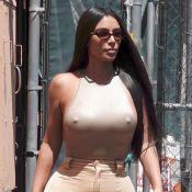 Kim Kardashian : Sans soutien-gorge par un après-midi frais...