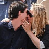 Virginie Efira : En amoureuse avec son prince Niels Schneider à Roland-Garros