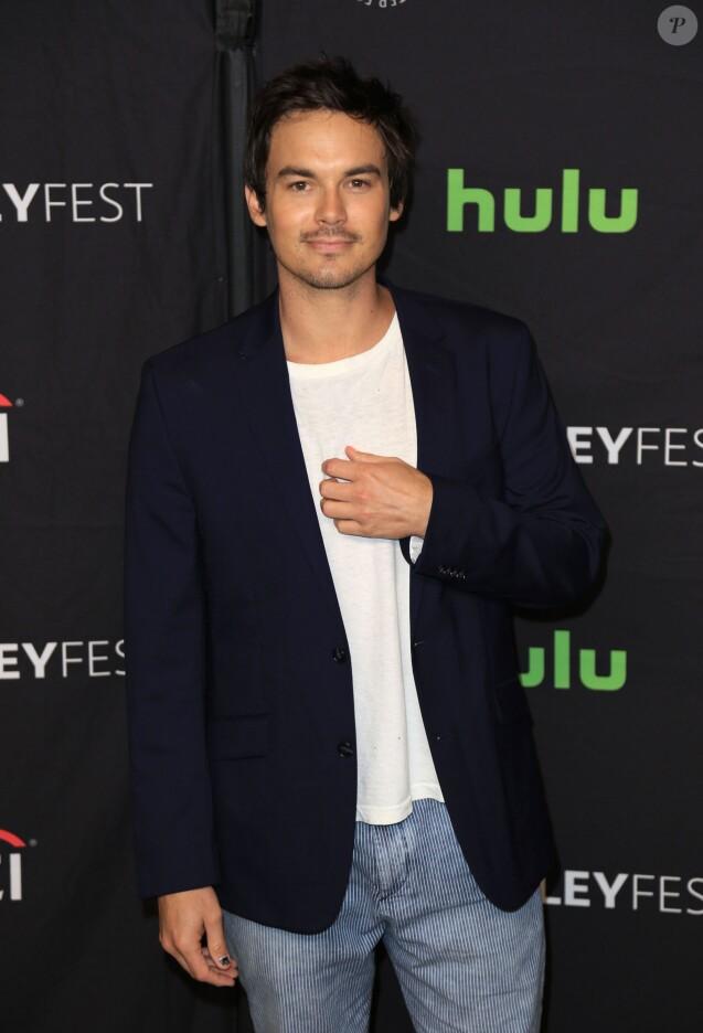 """Tyler Blackburn au photocall de la série """"Pretty Little Liars"""" au 34ème Paley festival à Los Angeles le 25 mars 2017."""