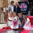 Cameron Diaz et sa famille lors de l'inaugration de son étoile sur le Walk of Fame à Hollywood le 22 juin 2009