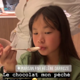 Jean Reno, Laeticia Hallyday et ses filles Jade et Joy découvrent le nouveau restaurant de leur amie Hélène Darroze à Paris, Marsan, le 25 juin 2019.