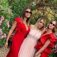 """Clio Pajczer, ex-chroniqueuse de """"Touche pas à mon poste"""" (C8) et professeure de yoga, a épousé son amoureux Aurélien samedi 29 juin 2019 en Corse."""