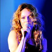 Vanessa Paradis : Son concert interrompu par une bagarre, elle recadre un fan