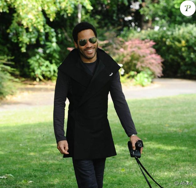 Lenny Kravitz à Londres, pendant sa tournée Let Love Rule Tour