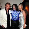 Michael Jackson entouré de Johnny et Laeticia Hallyday, à l'occasion de l'anniversaire de Christian Audigier.