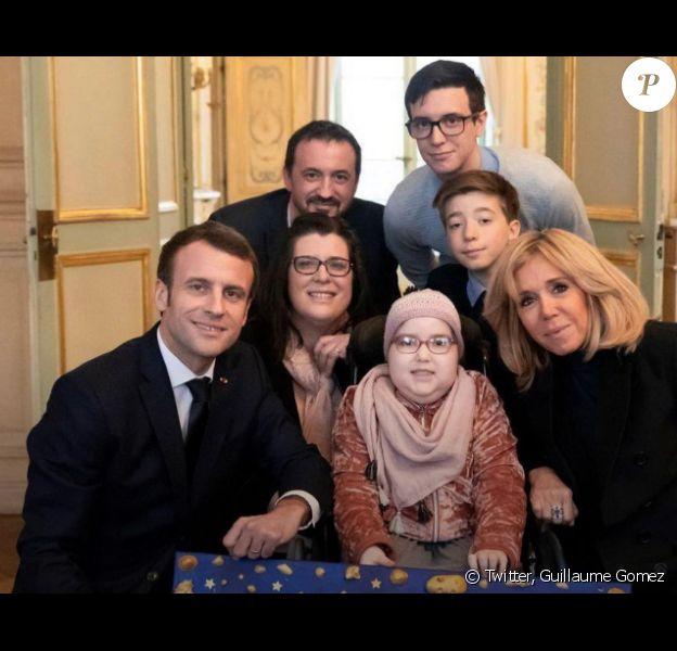 Guillaume Gomez sur Twitter- rencontre avec Elise, fillette handicapée, Emmanuel Macron et Brigitte Macron.