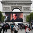 """Atmosphère à la projection du film """"OSS 177: Le Caire Nid d'Espions"""" lors de l'évènement """"Un Dimanche Au Cinema"""" sur l'Avenue des Champs-Elysées à Paris, France, le 7 juillet 2019. 1750 personnes ont été sélectionnées pour assister gratuitement, à la projection du film sur l'Avenue des Champs-Elysées. Le CNC, le centre national du cinéma organise cette projection en plein air qui, pour la deuxième année consécutive, pour clore la Fête du Cinéma. © Stephen Caillet/Panoramic/Bestimage"""