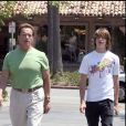 Arnold Schwarzenegger et son fils Patrick à Los Angeles en 2008.