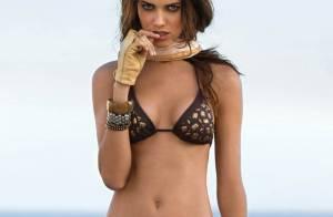 Découvrez Amanda Brandao, la nouvelle bombe brésilienne... qui vous attend à la plage !