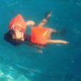 Tom, le fils d'Ingrid Chauvin, apprend à nager. Instagram, le 6 août 2019.