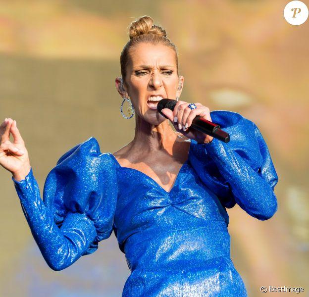 Céline Dion en concert à l'occasion du festival d'été Barclaycard British dans Hyde Park à Londres, le 5 juillet 2019.