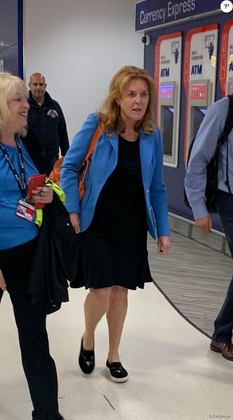 Exclusif - Sarah Ferguson, duchesse d'York, lors de son arrivée à l'aéroport d'Aberdeen en Ecosse tard dans la soirée du mercredi 7 août 2019, pour aller séjourner au château de Balmoral.