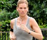 Hilary Swank sur le tournage de The Resident, à New York, le 1er juillet 2009 !
