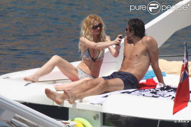 Luca Toni et Marta Cecchetto lors de leurs vacances à Porto Cervo, en Sardaigne, le 1er juillet 2009 !
