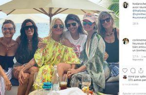 Laeticia Hallyday à Saint-Barth : déjeuner 100% filles, avec sa belle-soeur