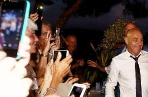 Emmanuel Macron et Brigitte blessée : Bain de foule à Bormes-les-Mimosas