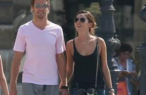 Le pilote Jenson Button, leader du championnat de F1... en week-end romantique à Paris avec son top model !