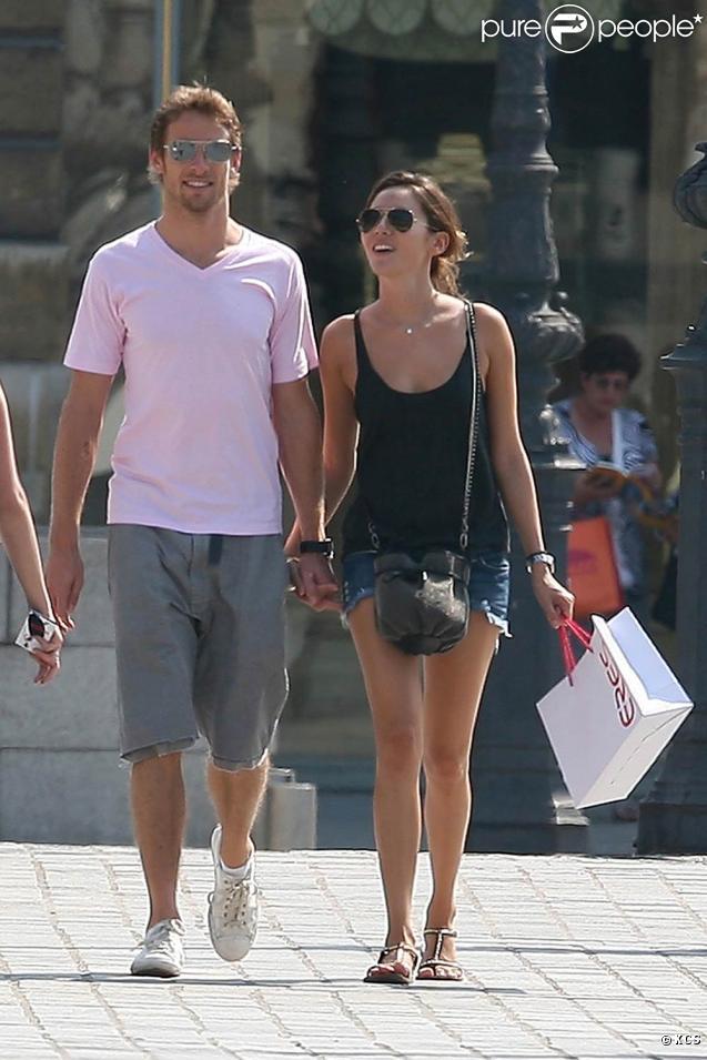Jenson Button et  Jessica Michibata, lors d'un week-end romantique à Paris, fin juin 2009 !