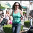 Britney Spears, très souriante, sort d'un salon de beauté à Los Angeles. 02/07/09