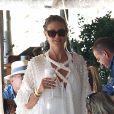 Heidi Klum et son mari T. Kaulitz déjeunent avec leurs invités au restaurant La Fontelina, le lendemain de leur mariage à Capri. Le couple s'est baigné après le déjeuner. Le 4 Aout 2019.