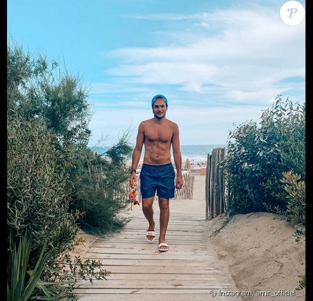 Amir torse nu à la plage de Palavas les Flots, le 21 août 2019.