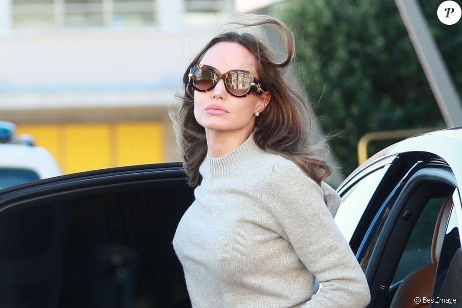 Angelina Jolie arrive à l'aéroport du Bourget le 9 juillet 2019.