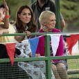 Kate Middleton, duchesse de Cambridge, vêtue d'une robe Emilia Wickstead, inaugurait le 10 septembre 2019 dans le parc botanique de Wisley une réplique de son jardin Back to Nature pour stimuler le développement des enfants.